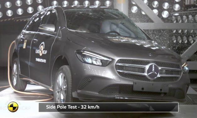 Mercedes'in aile otomobili B Serisi çarpışma testinden 5 yıldız aldı