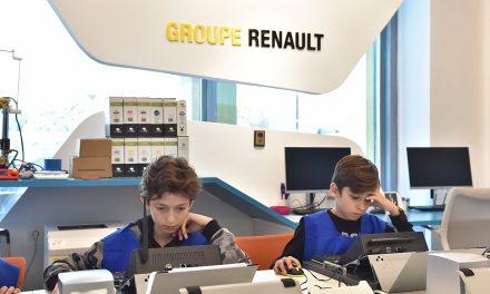 Oyak Renault kapılarını çalışanlarının ailelerine yeniden açtı