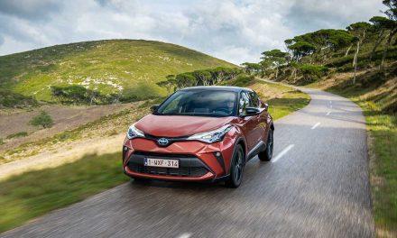 Yenilenen Toyota C-HR'ın Türkiye fiyatı belli oldu