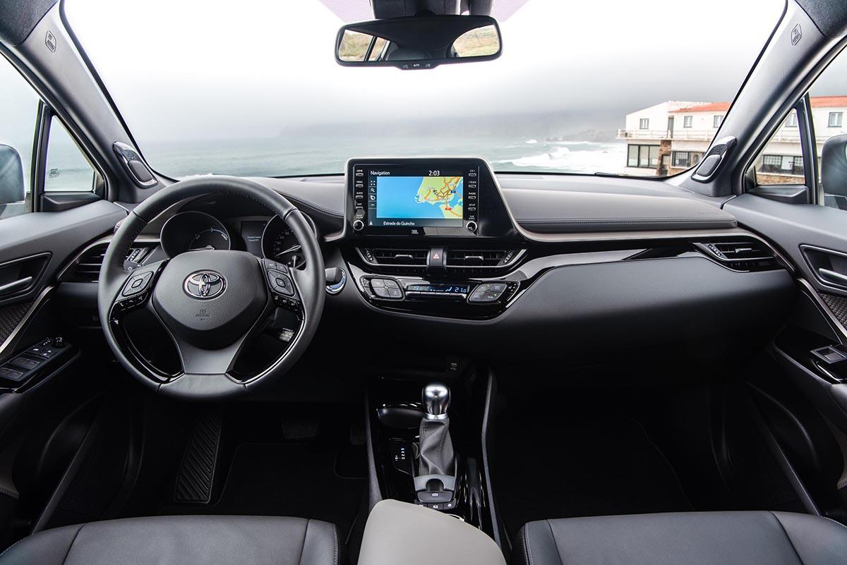 Yenilenen Toyota C-HR