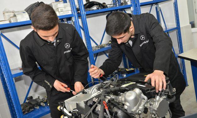 Mercedes-Benz gençlere verdiği destekleri sürdürüyor