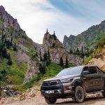 Arazilerin kralı Yeni Toyota Hilux 252 bin TL'den satışa sunuldu