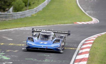 VW'nin elektrikli yarış otomobili ID R Nürburgring'de rekor kırdı