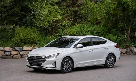 Yenilenen Hyundai Elantra 108.000 TL'den satışa sunuldu