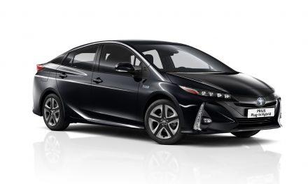 Yenilenen Toyota Prius teknolojisi ile devrim açıyor