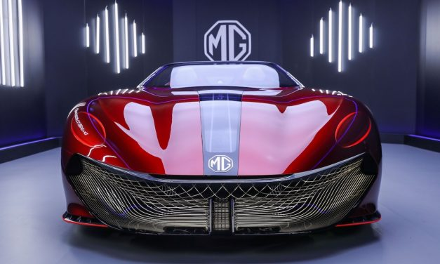 Menzinli ile dikkat çeken elektrikli roadster MG Cyberster geliyor!