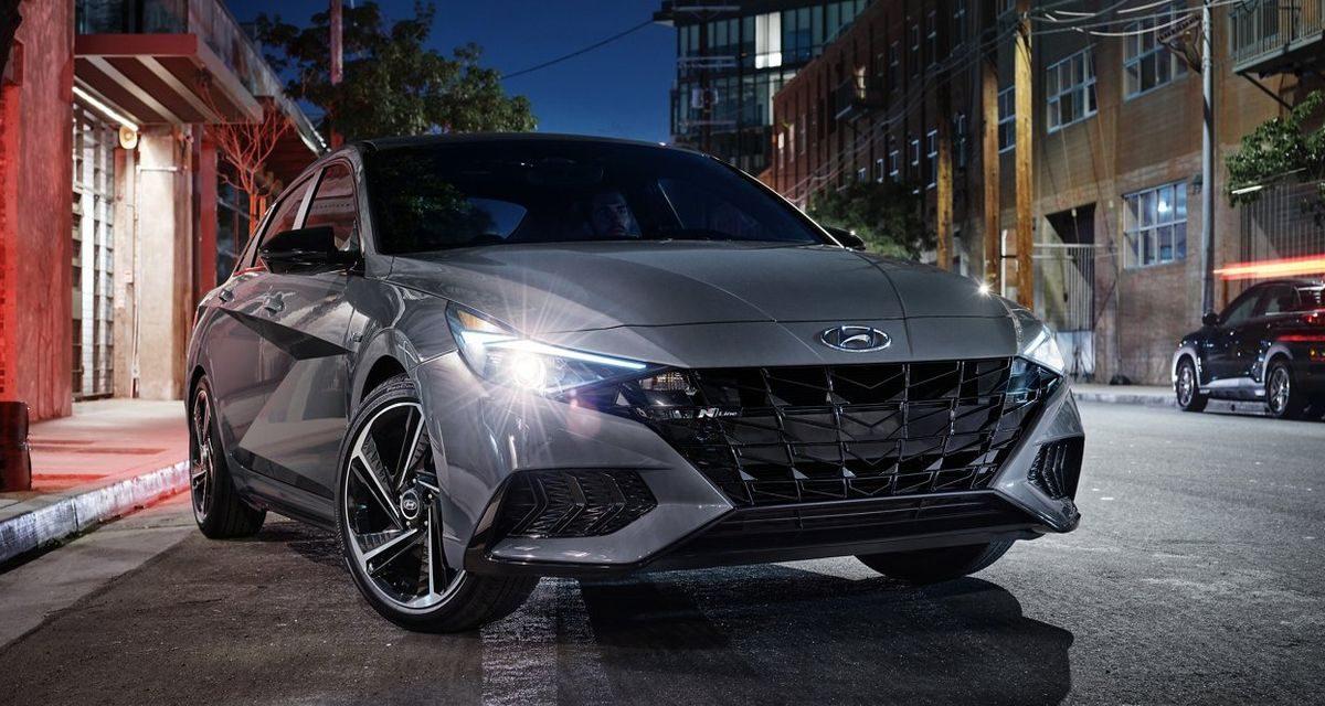 Yeni Hyundai Elantra sonunda bayilerde